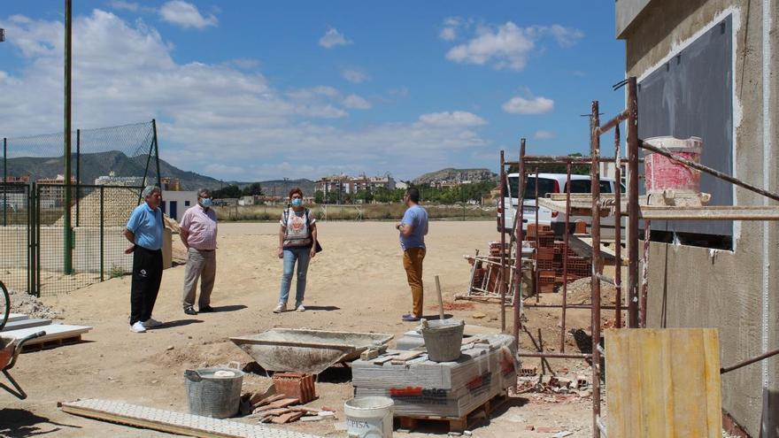 Finalizan las obras de un quiosco permanente en el Polideportivo La Hoya de Jumilla