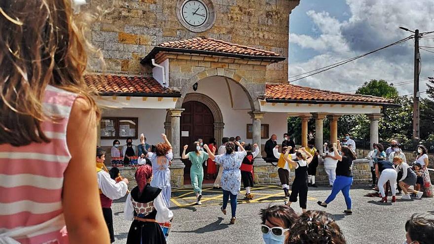 Quintes celebra con prudencia la tradicional festividad de Santa Ana