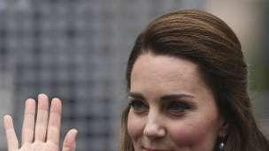 La justicia mantiene la sanción de 100.000 euros a 'Closer' por un 'topless' de Kate Middlenton