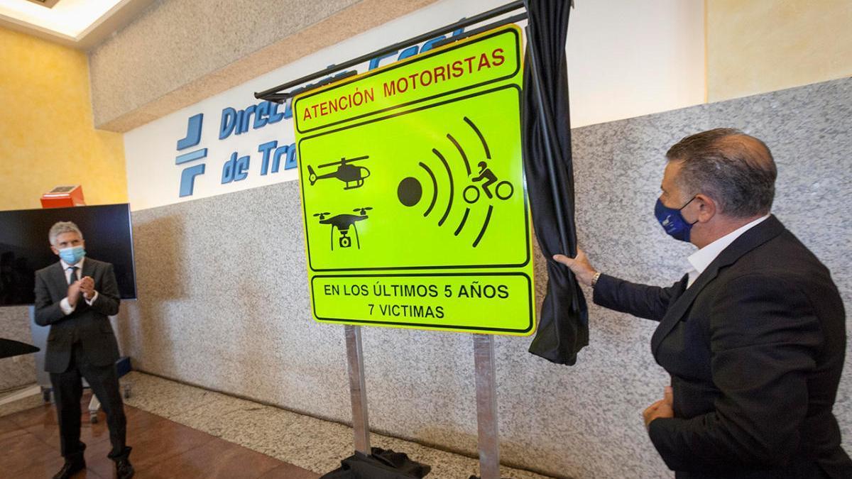 Presentación de la nueva señalización de tramos de riesgo para motoristas.
