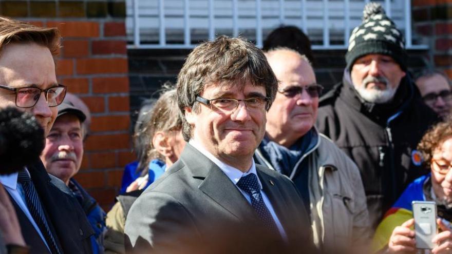 Puigdemont reclama la llibertat dels presos i insta l'Estat a iniciar un diàleg