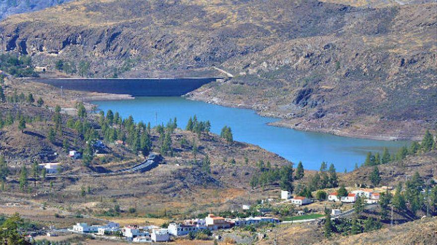 """Salvar Chira-Soria denuncia el """"bombardeo"""" con 100 toneladas de dinamita del barranco de Arguineguín"""