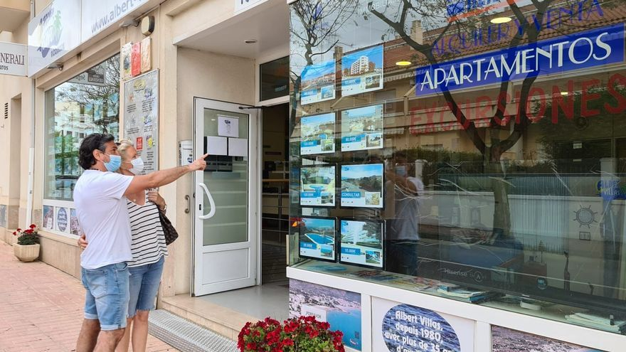 Las reservas de apartamentos se disparan a dos meses de vacaciones