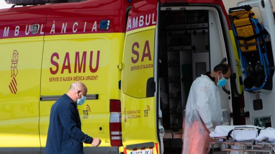 Dos agentes de la policía de Alcàsser asisten como comadronas en un parto