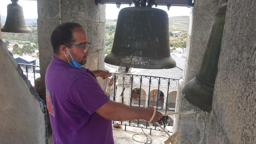 Así suenan las campanas de Puebla de Sanabria el día de Santiago.