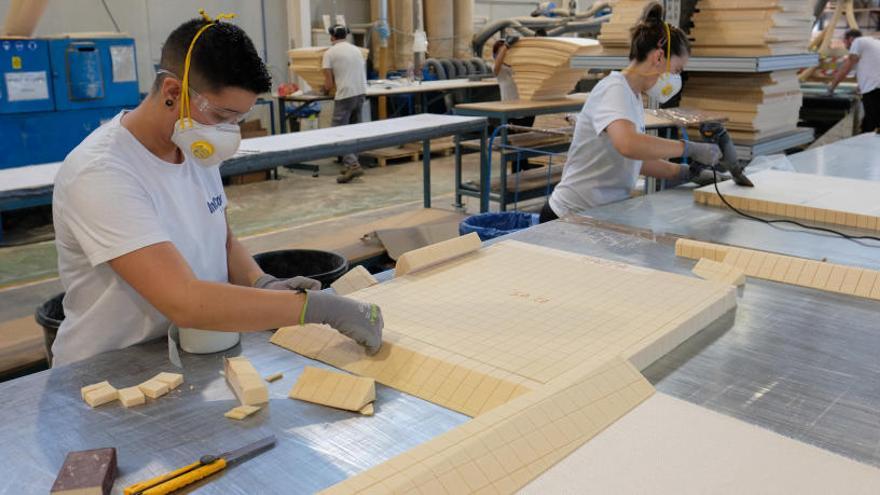 El productor de palas eólicas Incom roza los 65 millones de ingresos y abre fábrica en India