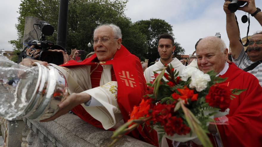 San Pedro festeja al patrón con una misa en el templo, pero sin bendición de las aguas