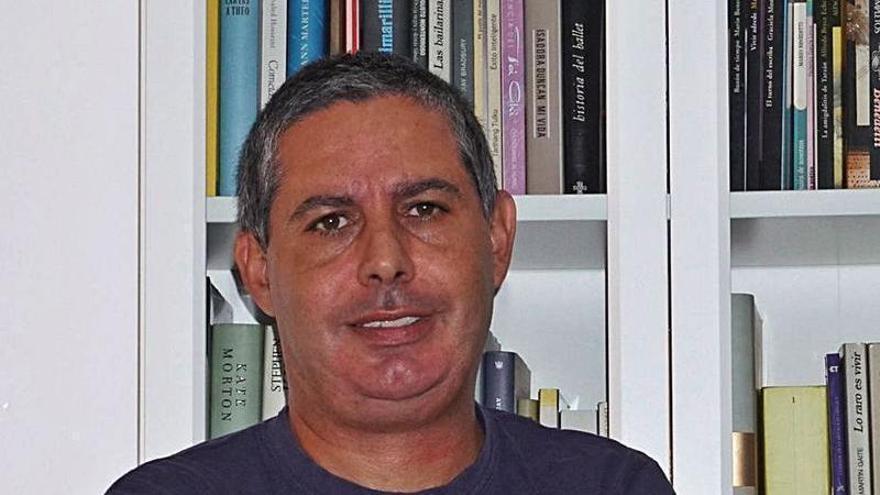 El escritor Daniel Bautista gana el I Premio de Literatura Infantil de Canarias