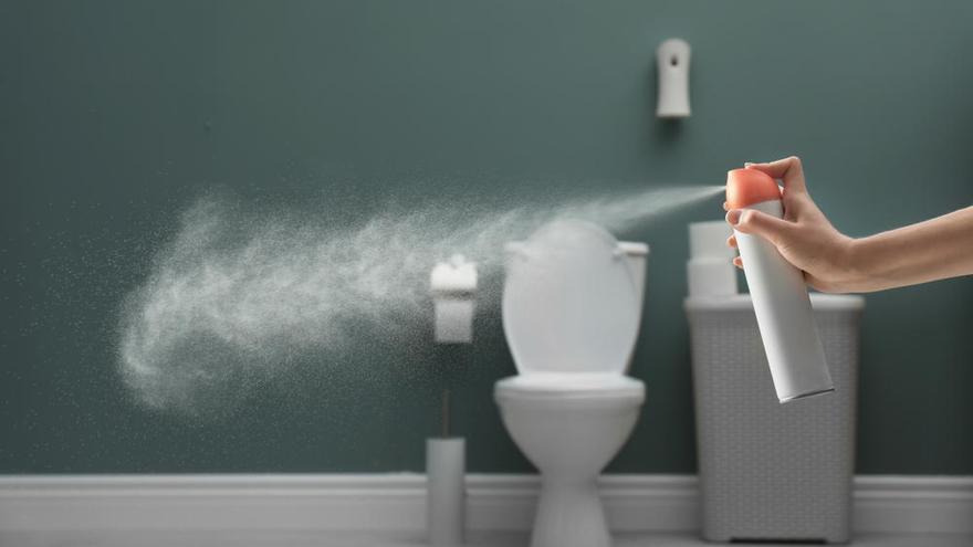 Cinco remedios caseros para eliminar el mal olor después de ir al baño