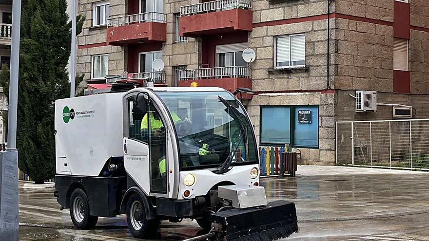 Nigrán estrena maquinaria para desinfectar las calles