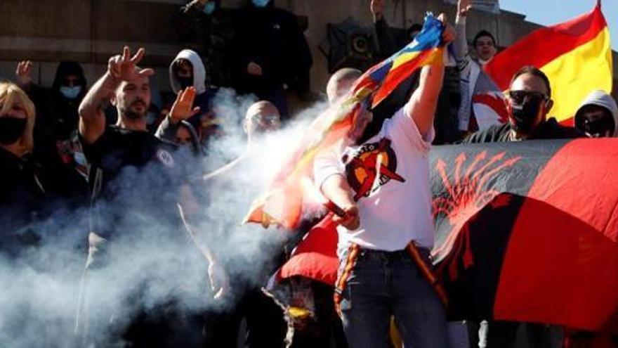 Barcelona denuncia a dos manifestantes del 12-O
