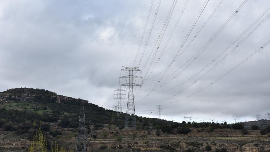 La MAT toma impulso: la oposición a la 'autopista eléctrica' no frena su avance en Castellón