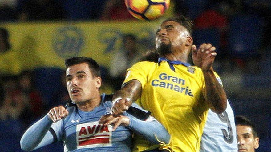Las Palmas gana al Eibar con un penalti en el descuento