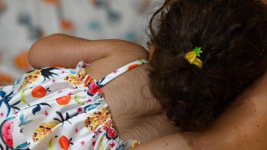 La jueza exime de culpa a los farmacéuticos en el caso del crecepelo a bebés