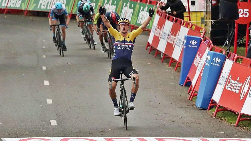 La Vuelta Roglic és el primer líder en imposar-se a Arrate