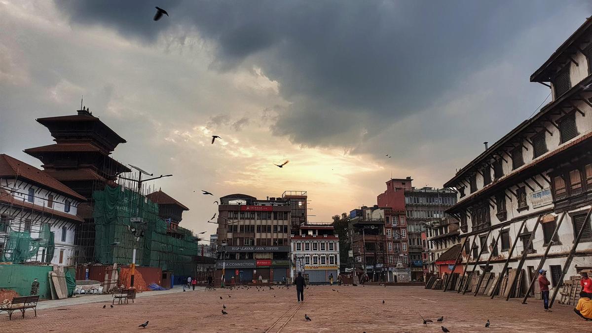 La plaza Durbar, en Katmandú, donde se encuentran atrapados los españoles.