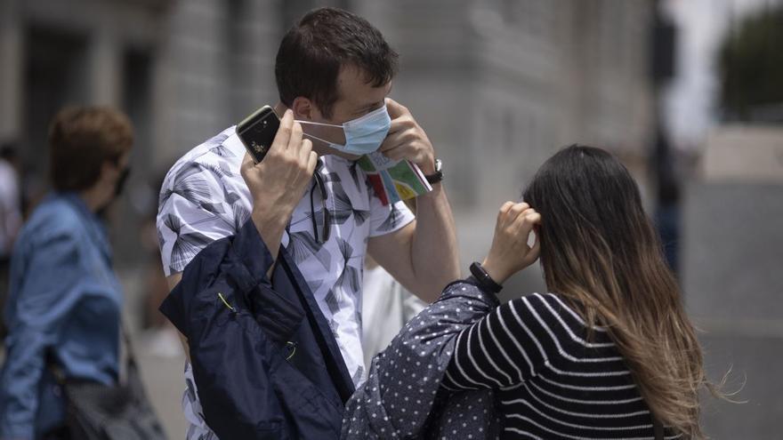 """Canarias pide """"sensatez"""" en el uso de la mascarilla y que se aplique por niveles de contagio"""