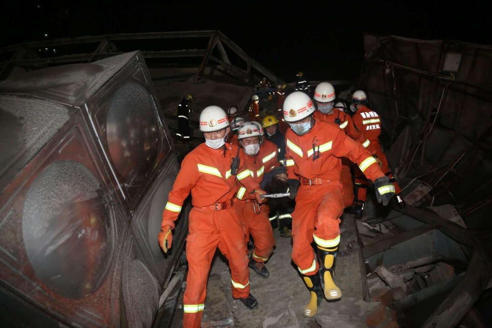Al menos 4 muertos en el derrumbe de un hotel en China