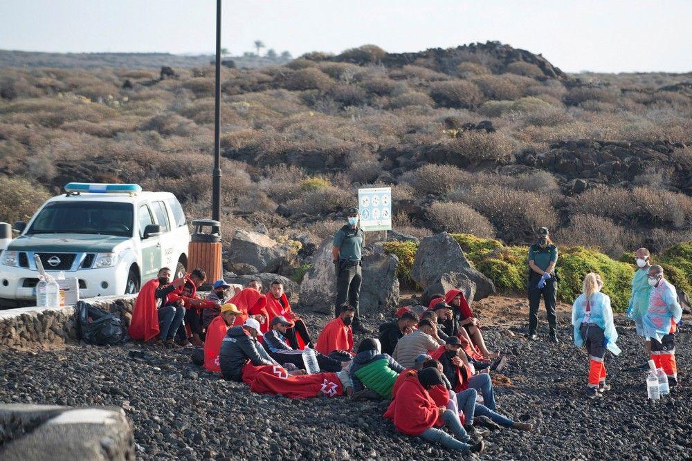 Llegada de 28 inmigr (128297599).jpg