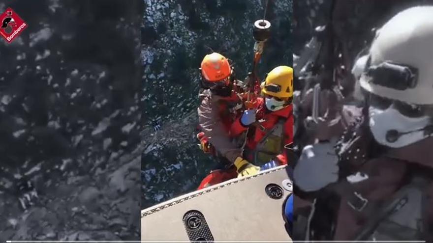 Los bomberos rescatan a una senderista de 23 años en el Peñón de Ifach