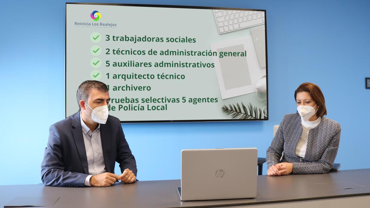 Domínguez y Daza durante la presentación de la nueva RPT