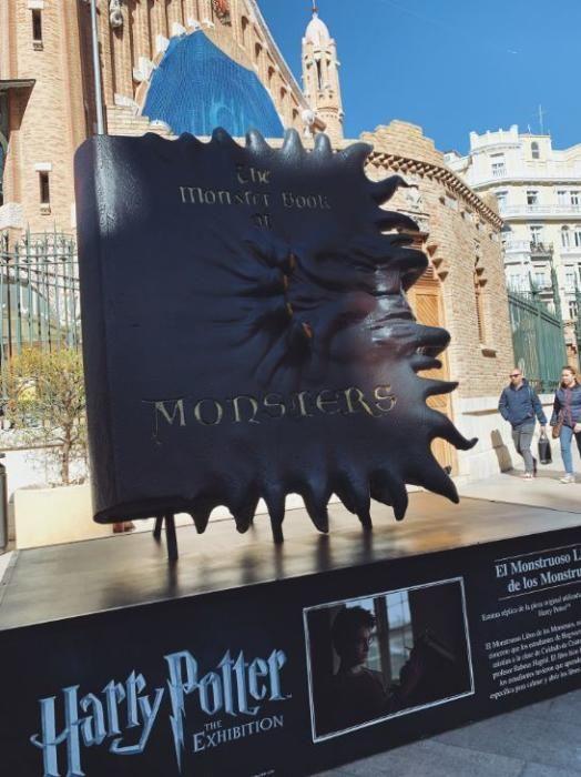 El Monstruoso Libro de los Monstruos.