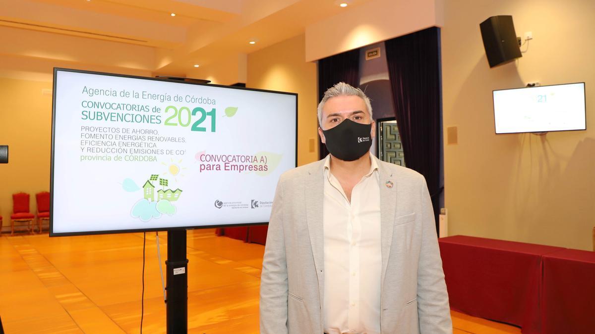Víctor Montoro presenta las ayudas de la Agencia de la Energía
