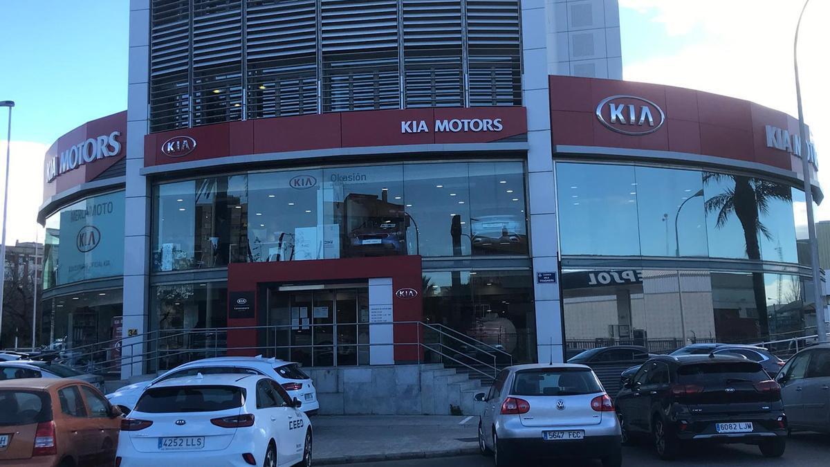 Las instalaciones de Kia Mercamoto de la Avenida Tres Forques.