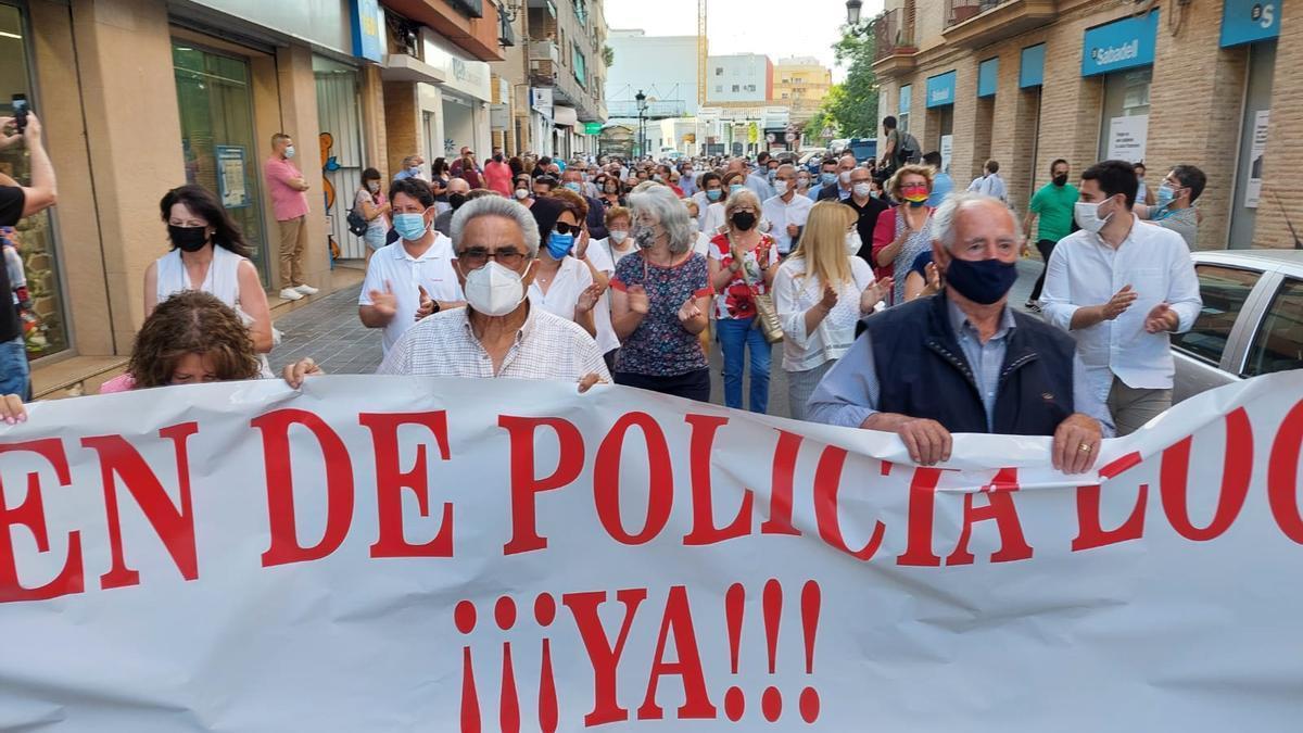 Los vecinos de Benimàmet protestaron por la inseguridad en la pedanía.