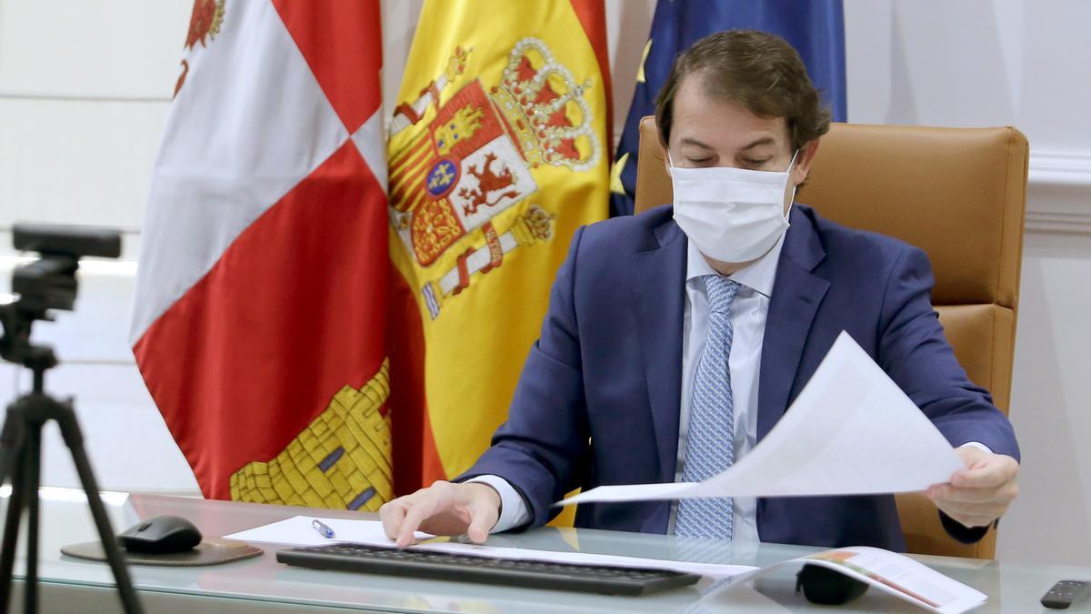 Fernández Mañueco, durante una videoconferencia.
