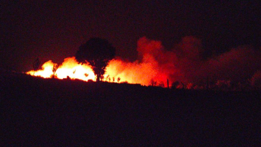 Incendio en las proximidades de Nuez de Aliste, en Zamora