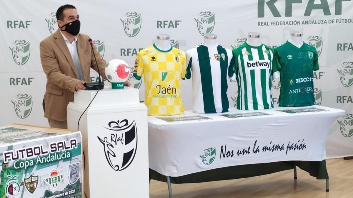 """Pablo Lozano: """"El Córdoba CF merecía competir, hacer soñar a su afición y disfrutar del fútbol"""""""