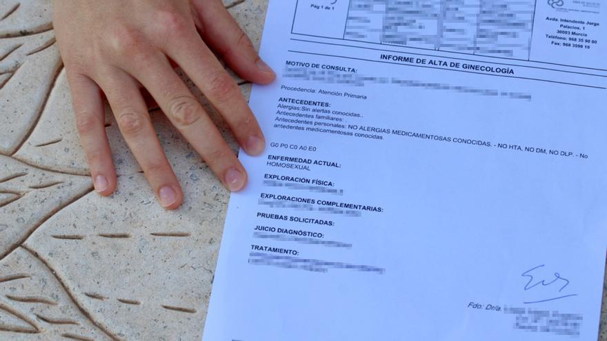 Un médico del hospital Reina Sofía de Murcia diagnostica la homosexualidad como una enfermedad