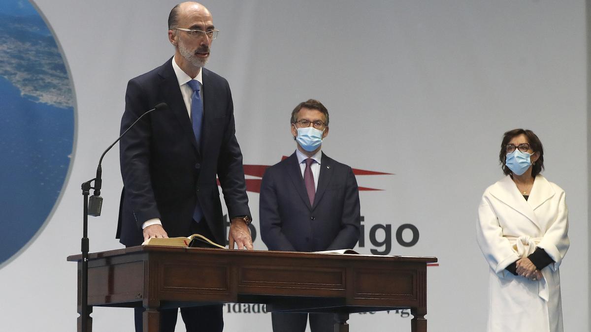 Jesús Vázquez Almuiña toma posesión del cargo de Presidente del Puerto de Vigo