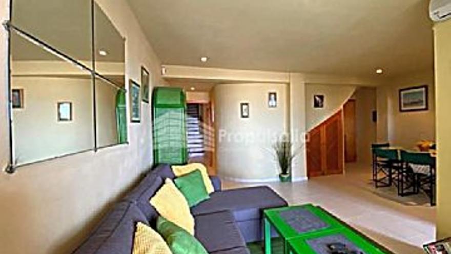 385.000 € Venta de piso en Coll d´en Rabassa (Palma de Mallorca), 3 habitaciones, 2 baños...