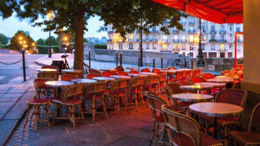 Bistrots de París cobren per les rodanxes de llimona