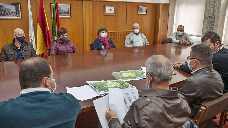 Extensión y mecanización: los retos para el futuro de la manzana en A Estrada