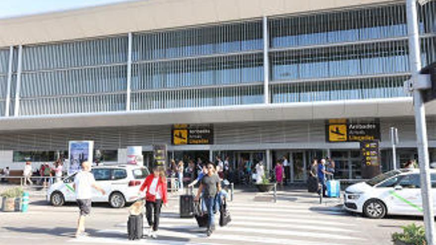 23-Jähriger nach Sturz aus drittem Stock am Airport Ibiza schwer verletzt