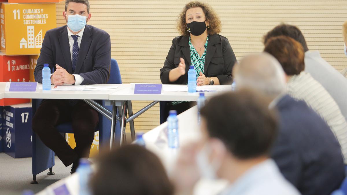 Luengo y Muñoz durante la reunión del Club EMAS.