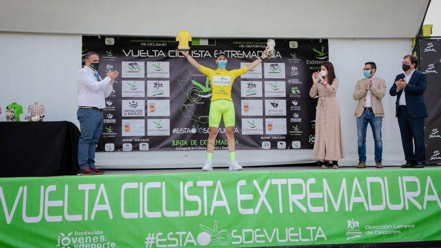 El Vigo-Rías Baixas caza el maillot amarillo en la primera etapa de la Vuelta Extremadura