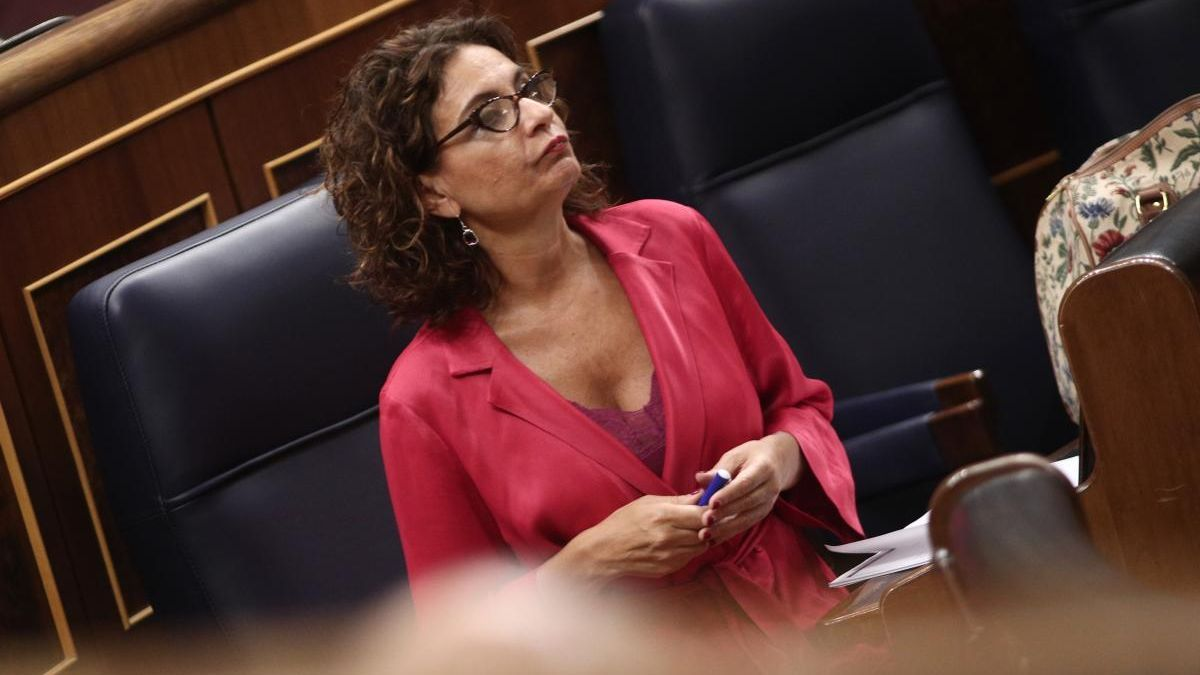 La ministra de Hacienda, María Jesús Montero. // E. Parra