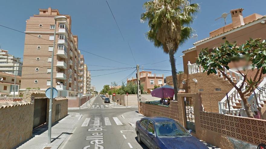 Herido un hombre al caer accidentalmente de un balcón en Torrevieja