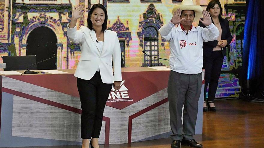 Mínim avantatge de Castillo respecte a Fujimori a les eleccions del Perú