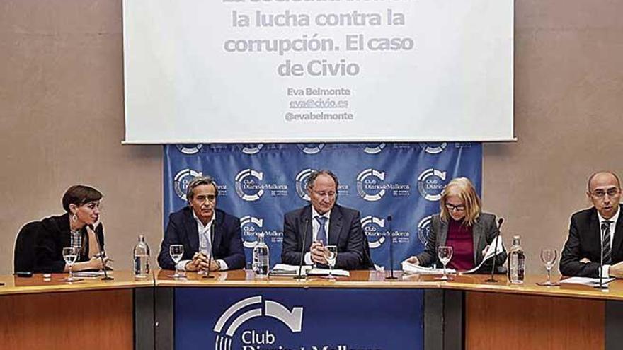 """""""La sociedad civil ha sido un pilar básico para concienciarnos de que hay que parar la corrupción"""""""