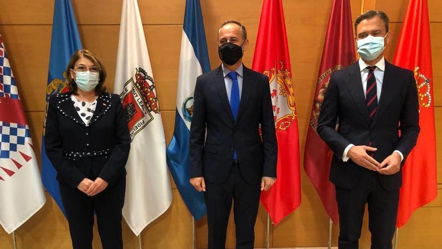 Ortuño, Campuzano y Celdrán toman posesión de sus nuevos cargos en el Gobierno regional