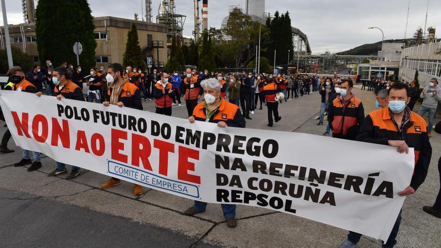 Manifestación de los trabajadores de la refinería