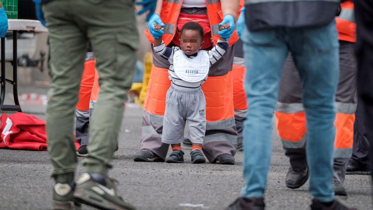 Canarias podrá utilizar otros espacios residenciales para acoger menores migrantes a partir de este lunes
