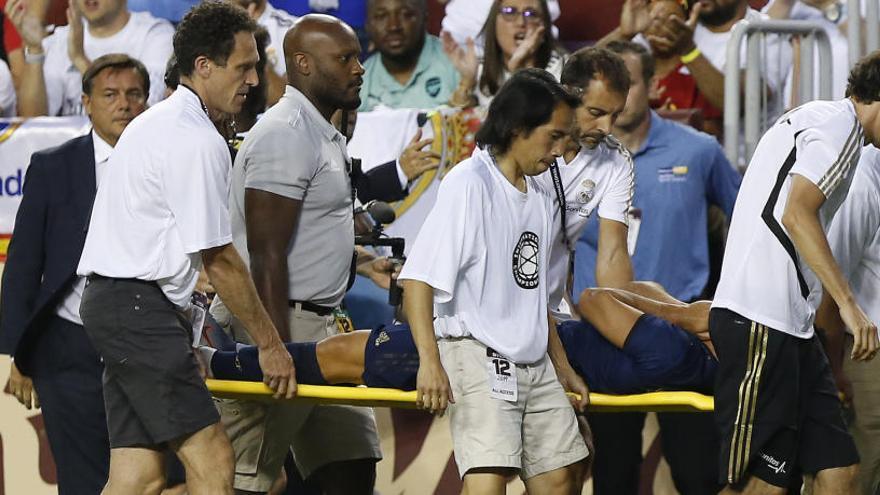 Greu lesió de Marco Asensio en l'amistós del Madrid contra l'Arsenal
