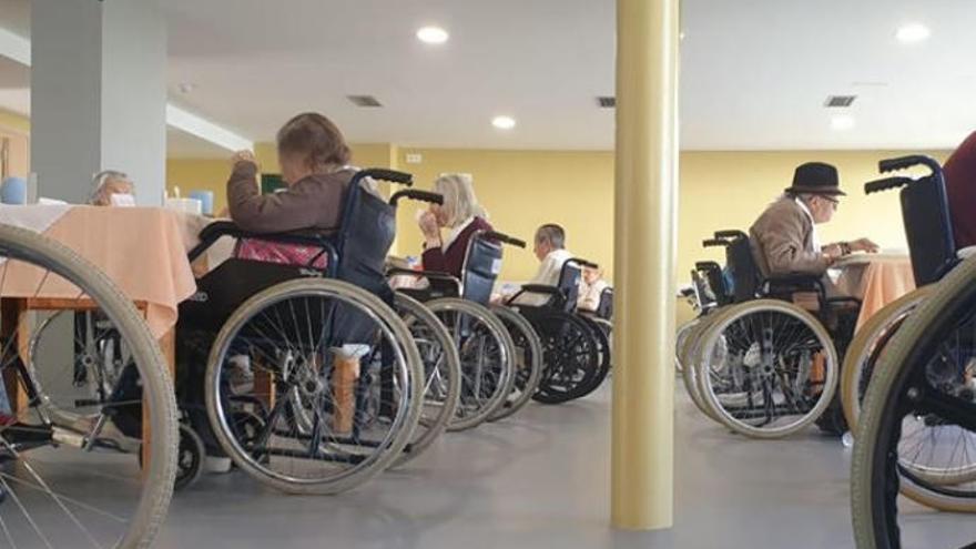 Dos trabajadores de centros sociosanitarios de La Palma dan positivo en Covid-19