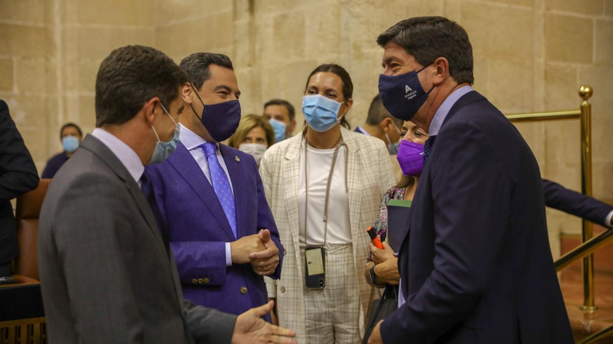 Juanma Moreno, en la sesión parlamentaria.